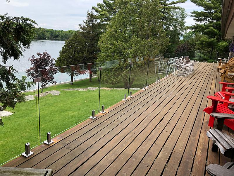 frameless deck glass railing